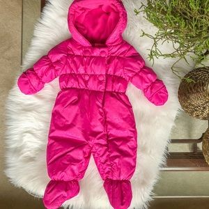 Adorable winter coveralls; 3-6M (might fit 6-9M)